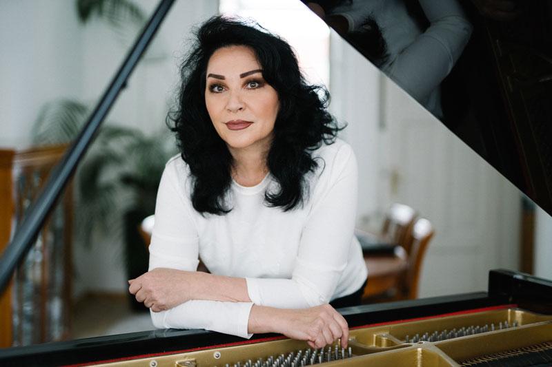 Seit 25 Jahren arbeite ich als Musikpädagogin und Klavierlehrerin
